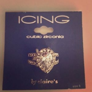 Jewelry - Cubic Zirconia engagement ring Size 6